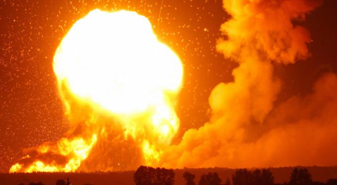 Ukrayna'da patlama! Binlerce kişi...