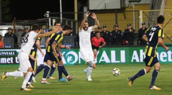 Fener, Manisa'da söndü: 1-0
