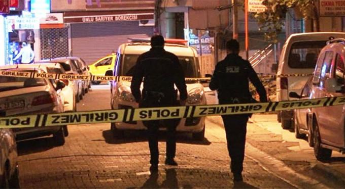 Mescit çıkışında silahlı saldırı: 1 ölü, 2 yaralı