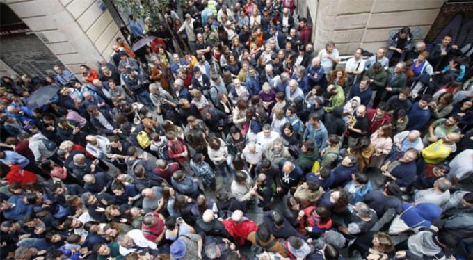 İspanya'daki büyük kaos! Yüzlerce yaralı