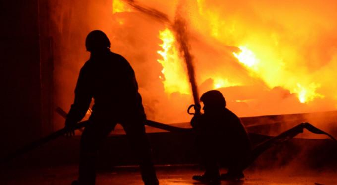 Binlerce kişiyi tahliye ettiren yangın