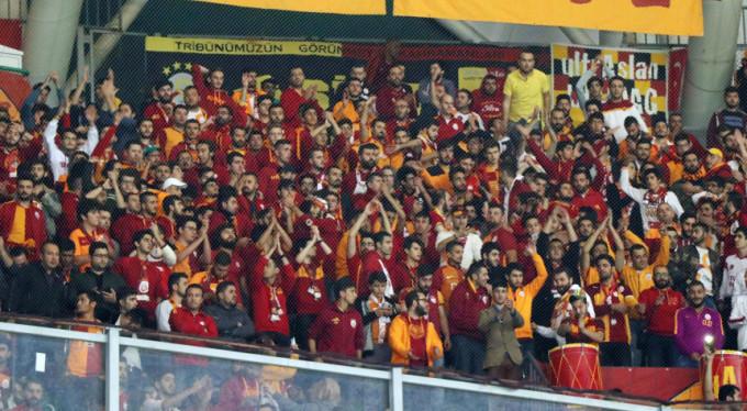 Galatasaray taraftarına inanılmaz saldırı!