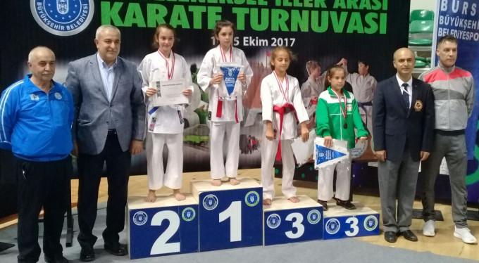 Bursa'daki karate şöleni sona erdi