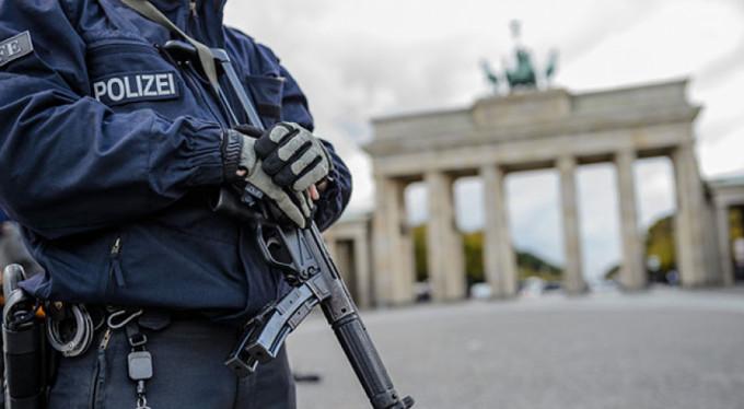 Münih'te bıçaklı saldırı: Yaralılar var