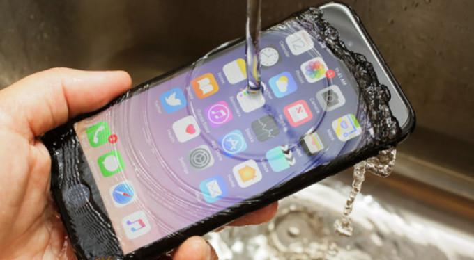 iPhone'dan kurnaz hamle! Üretimi durdurdu