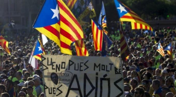 Katalonya tek taraflı bağımsızlık ilan etti!