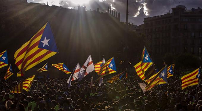 İspanya'dan Katalonya'ya jet yanıt!