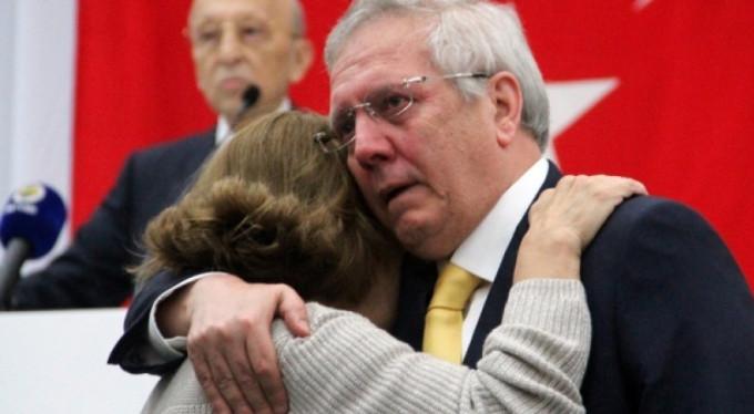 Aziz Yıldırım gözyaşlarına engel olamadı