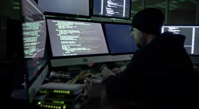 Hacker'lar monitörünüze erişerek bilgilerinizi çalabilirler!