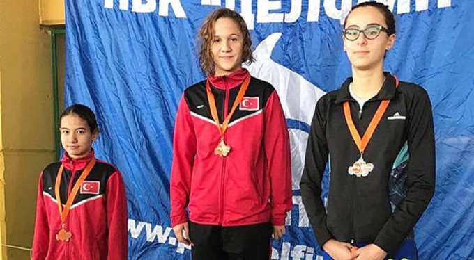 Bursalı sporcudan 3 altın madalya