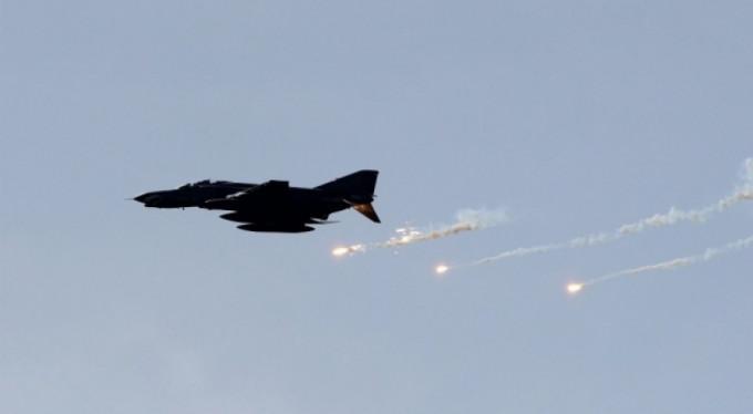 Hava saldırısında 53 sivil öldü