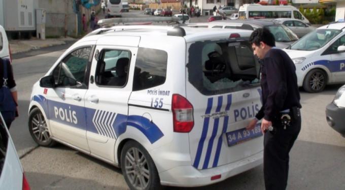 Polise taşlı sopalı saldırı
