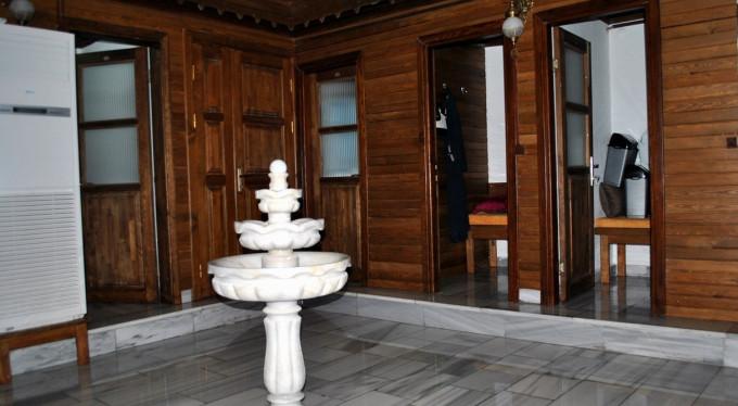 Bursa'da tarihi hamam yeniden hizmette