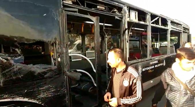 Metrobüsler çarpıştı! Çok sayıda yaralı var