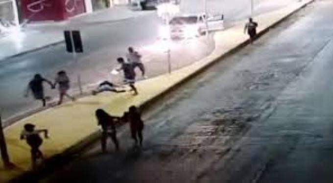 Sokak ortasındaki silahlı infaz kamerada