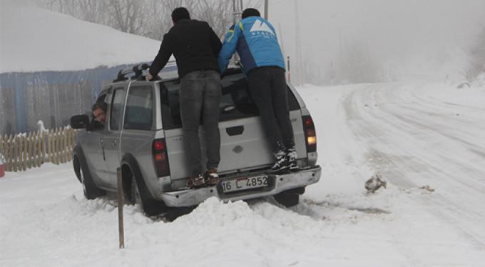 Bursa'da kar yağdı, esaret başladı