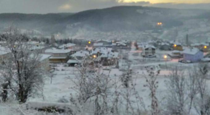 Bursa kara teslim! 9 köy yolu kapandı