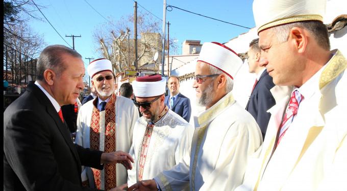 Erdoğan, cuma namazını Gümülcine'de kıldı