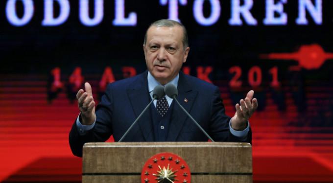 Erdoğan'ın başdanışmanı istifa etti!