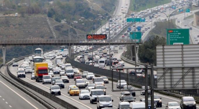 Haftada kaç saatimiz trafikte geçiyor?