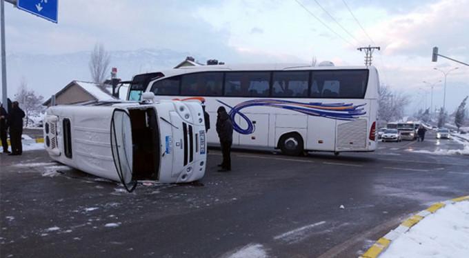 Feci kaza! 18 öğrenci yaralı