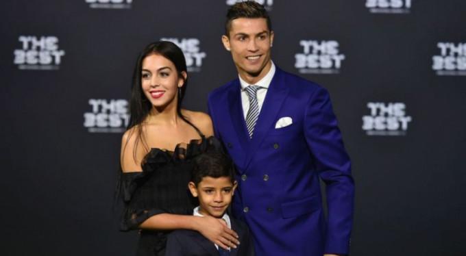 Cristiano Ronaldo ihanetle suçlanıyor!