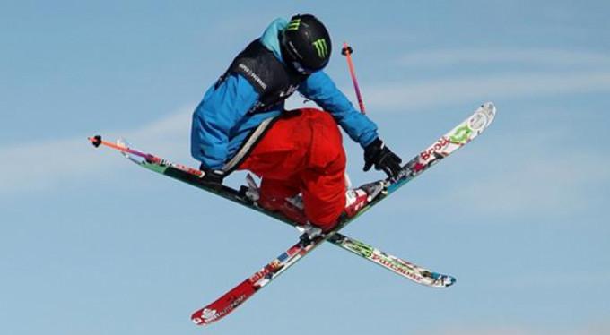Kayakçının şovu kötü bitti!