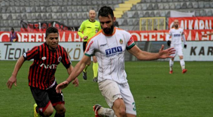 6 puanlık maç Alanyaspor'un! 0-1