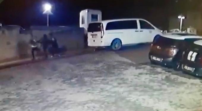 Müşteri gibi çağırdılar! Taksiciler Uber şoförlerini böyle dövdü!
