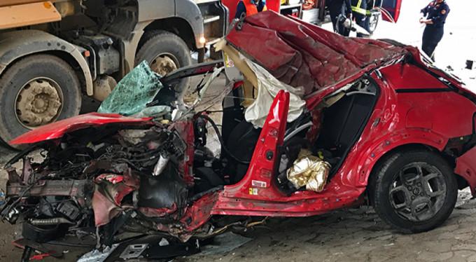 Bursa'da feci kaza! Genç kız hayatını kaybetti!