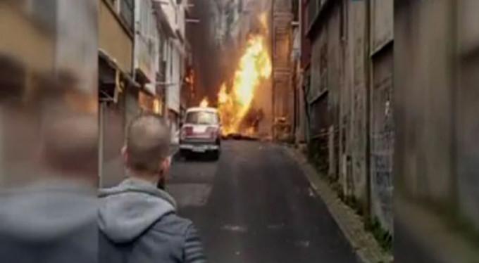 Doğalgaz borusu patladı, vatandaş sokağa döküldü...