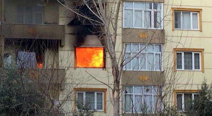 Ev sahibine kızdı evi yaktı!