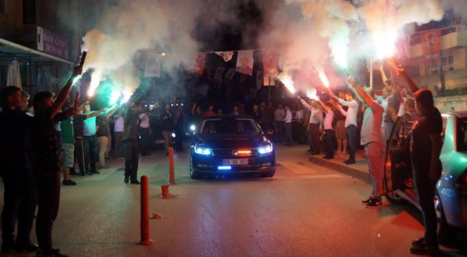 Bursa'da meşalelerle karşılandı!