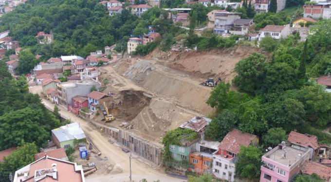 Mollaarap'ta yapılan zemin güçlendirme çalışmaları sürüyor!