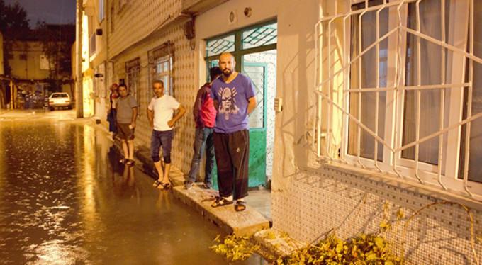 Bursa'da evleri su bastı!