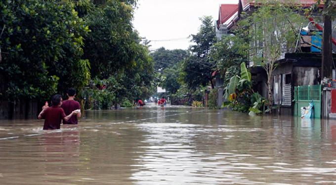 Tropik fırtınada 22 kişi öldü!