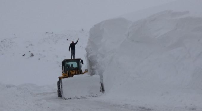 Kar kalınlığı 5 metreyi geçti!