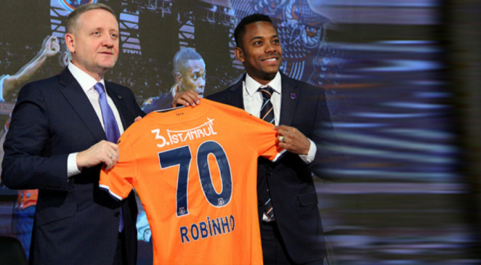 Robinho imzaladı!