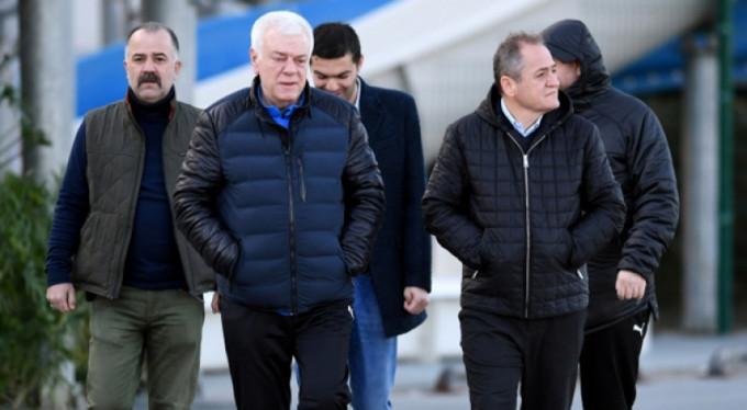 """Ali Ay: """"Devre arasında yapılan transferden hayır gelmiyor"""""""
