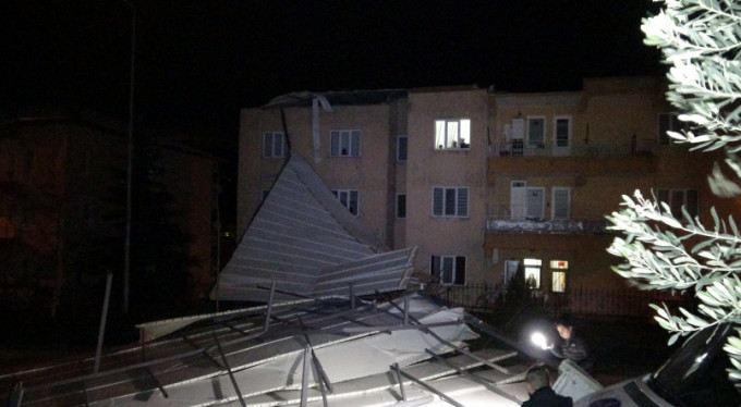 Bursa'da fırtına paniği!