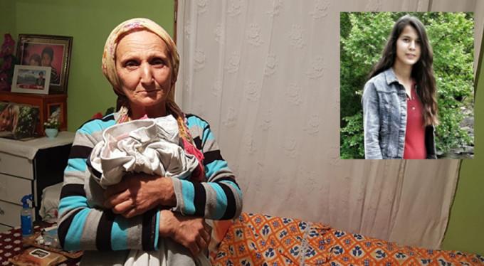 7 aydır komadaki kızının uyanmasını bekliyor
