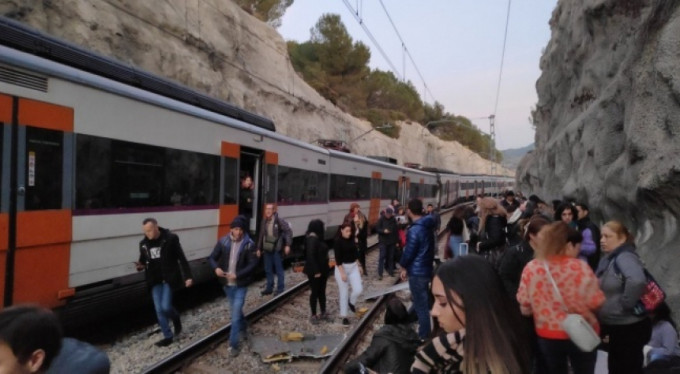 Feci tren kazası! 1 ölü 8 yaralı