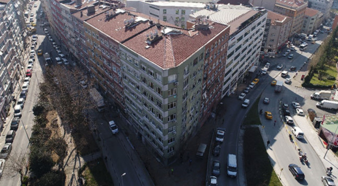 Tehlike arz eden 4 bina mühürlendi!