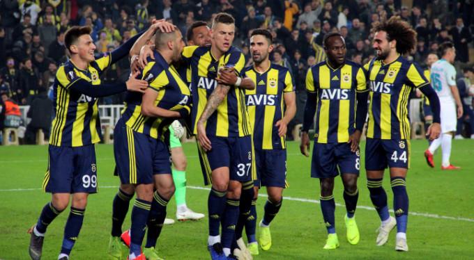 Fenerbahçe bir attı bir tuttu: 1-0