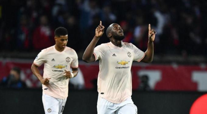 Manchester United tarih yazdı!