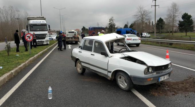 Kamyon otomobile çarptı! 1 ölü