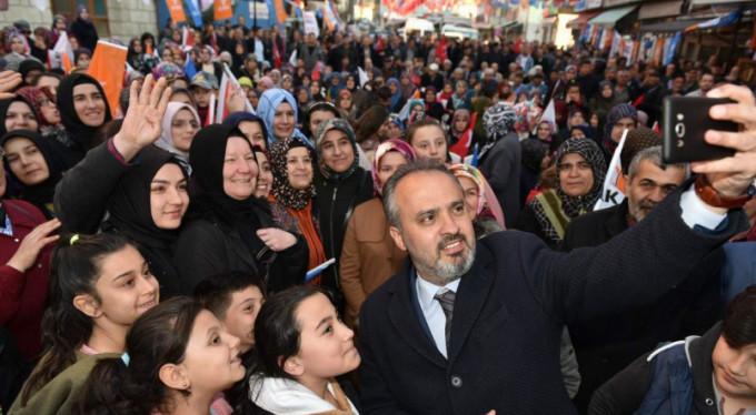 Alinur Aktaş'ı öyle bir karşıladılar ki...