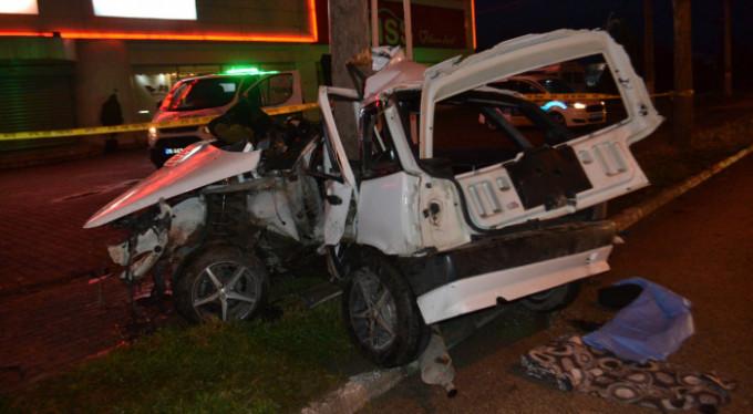 Bursa'da kontrolden çıktı, ağaca çarptı! 2 ölü