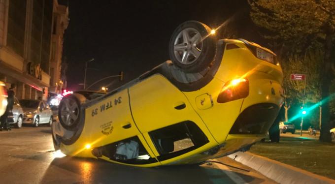 Ticari taksi takla attı: 1 yaralı