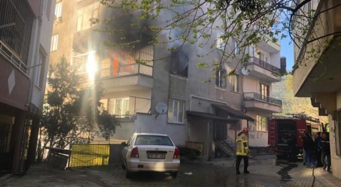 Mangal yakarken evi yaktı!